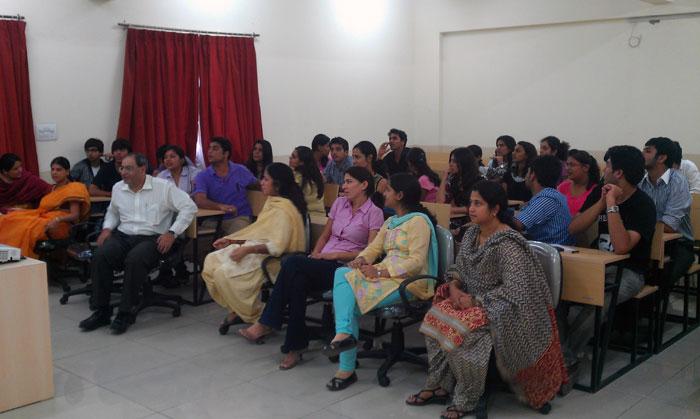 Business Management Studies in NOIDA